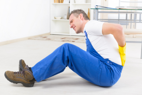 7 Ways to Prevent Injuries When Cleaning